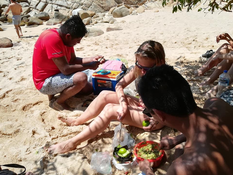 picnic1-6.jpg